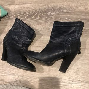 Chloe worn in navy leather zip back ankle boot 38